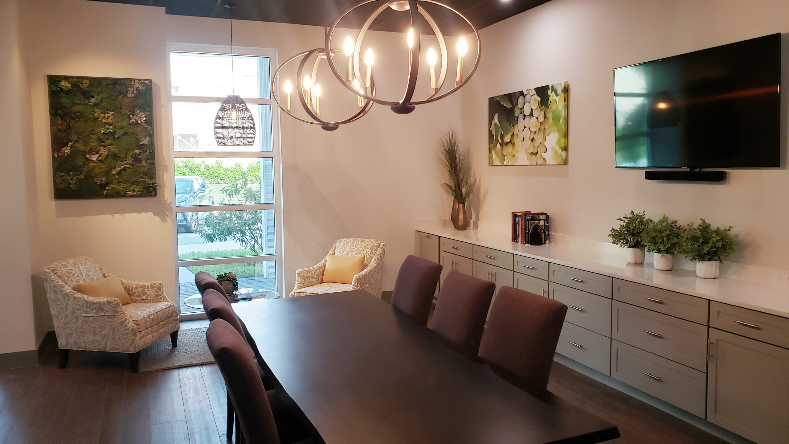 CRU Wine Club Tasting Room